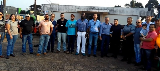 Palmas recebe trator e implementos para os pequenos agricultores